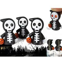 llavero de la calabaza al por mayor-LED Halloween llavero calabaza mueca Skeleton llavero colgante de dibujos animados de Halloween parca sonido luminoso llavero KKA2673