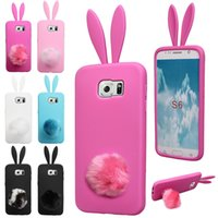 Fashion Cute Silicone TPU Soft Cell Phone Case Rabbit Ear Design avec un couvercle en fourrure arrière avec Sucker Phone Case pour Samsun