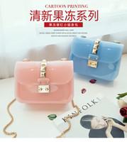 süßigkeit taschen korea großhandel-Japan und Südkorea Kauf Silikagel Candy Farbe transparent Schulter Umhängetasche Kette weiblichen Sommer neue Gelee Mini Bag