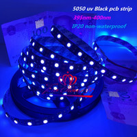 Black PCB Flexible LED Strip DC12V 5M 300led SMD 5050 UV Purple 60LEDs / m Light Non étanche IP20, étanche IP65