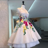 muhteşem diz boyu balo elbiseleri toptan satış-Sheer Boyun Aplikler Ile muhteşem Gelinlik Modelleri Nakış Organze Örgün Kokteyl Elbise Abiye giyim Diz Boyu Kısa Parti Elbise