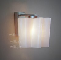 Logico wall sconce Lounge living hall de entrada foyer vanity light moderna lámpara twist helado milk glass shade white cloud lighting