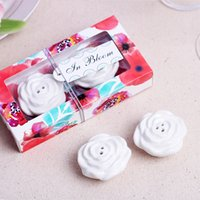 Wholesale Salt Pepper Shaker Flowers - 2pcs lot Bloom rose Flower Ceramic Salt and Pepper Shaker Wedding Gifts Party Favor