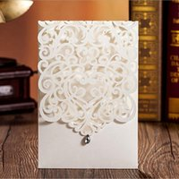 Wholesale Classic Invitations - 100pcs Vertical White Classic Style Wedding Invitations Cards Custom With Rhinestone & Laser Cut Flower