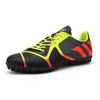 Wholesale New Men Soccer Shoes Outdoor Men Football Shoes PU Leather Black Men Trainers Sports Shoes