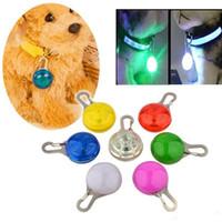 lambalar flaş ampuller toptan satış-Yenilik Köpek Kedi Gece Işıkları Silikon Hayvan Emniyet Işık Yanıp Sönen Renk Toka Yaka Yanıp Sönen Renk Toka Pet Aydınlık Lamba Ampuller
