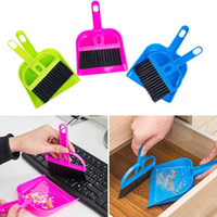 2 Pcs / Set Mini Desktop Keyboard Sweep Cleaning Brush Small Broom Dustpan Ferramentas de limpeza de plástico