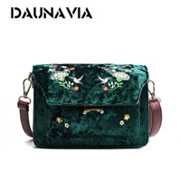Wholesale Cheap Envelope Clutches - Winter With Embroider is Fashionable O Bag Womens Bags Clutch Short Plush Women Envelope Bolsas Feminina Cheap Bags embroidery