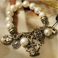 Rétro Crown Key Lock Pendentif Key Lock Coeur Crown Queen Pendentifs Pearl Bracelet Fashion Pearl Bangles
