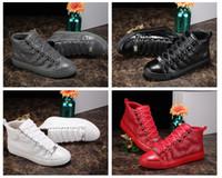 фирменные названия квартир оптовых-2018 новый дизайнер имя Марка человек Повседневная обувь плоские Kanye West мода морщинистая кожа шнуровке высокие топ тренеры беглый Арена обувь размер 46