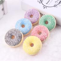 juguete de cocina gratis al por mayor-6.5 cm Kawaii Rare Squishy donut colorido imanes de nevera color de la mezcla Venta al por mayor envío gratis paquetes blandos niños cocina juguetes de comida