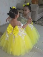 Puffy oro giallo tutu flower girl dress off the shoulder baby bambini 1 ° compleanno abiti da ballo festa di nozze principessa prom con l'arco