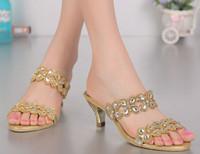 zapatos de diamantes de boda de cristal tacones al por mayor-mujeres gladiador med zapatos de tacones altos sandalias de diamantes de imitación de las señoras de cristal zapatillas de diamante partido femenino boda zapatos cómodos bomba de verano