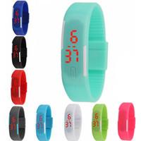 мужчины оптовых-Простой стиль конфеты цвет прямоугольник детские часы мягкие силиконовые светодиодные цифровые открытый спортивные часы повседневная мини браслет часы для мужчин женщина