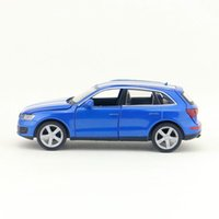 Livraison Gratuite / Modèle de Jouet Diecast / 1: 32 Scale / Audi Q5 Sport SUV Voiture / Pull Back / Sound Light / Educational Collection / Gift / Children