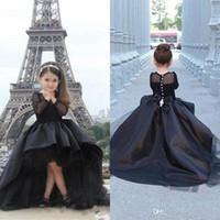 küçük kızlar için siyah elbiseler toptan satış-2019 Uzun Kollu Küçük Kızlar Pageant elbise Siyah Yüksek Düşük Jewel Çiçek Kız Gençler Için Elbiseler Resmi Komünyon Elbiseler