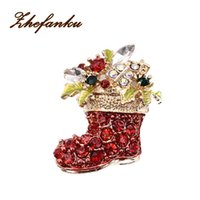 Wholesale vintage shoe plates - Fashion Christmas Red Shoes Brooches For Women Vintage Female Red Boots Brooches Pins Gold Color Zinc Rhinestone Jewelry Gifts