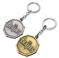 Wholesale Free Beatles - The Beatles Shield Round Toy Keychain Metal Key Chain Pendant Keyring Key Ring For Man's Boys 10PCS  LOT free shipping
