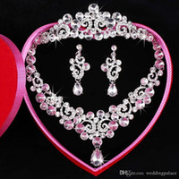 Wholesale Three Crowns Earrings - Free Shipping Fashion Newest Three-piece Bridal Accessories Tiaras Hair Necklace Earrings Accessories Bridal Wedding Jewelry Sets