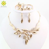 Wholesale 18k bridal necklaces set design for sale - Group buy Unique Design African Fashion Costume Rhinestone Leaves Shap Necklace Sets Gold Plated Wedding Bridal Costume Jewelry Sets