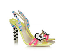 sandalias lindos tacones al por mayor-Zapatos de princesa de moda de verano negro blanco perlas Diseño lindo zapatos de tacón de aguja de tobillo sandalias de mujer sexy