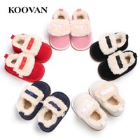 Baby First Walker Koovan Snow Boots 2017 Meninas Meninas Calças quentes Soft Board Loafers Short Plush Cotton Shoes Para 0-1 anos W366