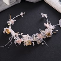 Wholesale Tiara Feathers Bridal - Bridal Wedding Handmade Feather Flowers Headdress Bridal Headband Crown 2018 Romantic Feather Flowers Bridal Tiaras Jewelry Accessories