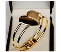 herzförmige klammern großhandel-Südkoreanisches bereiftes Herz-förmiges Armband mit doppelter Herzarmbandschmucksache-Großhandelsfabrik für Verkauf