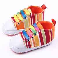 Arractive New Toddler Shoes pour Girl Boy Canvas colorée Upper and Rainbow Lace Soft Sole Sports Shoes