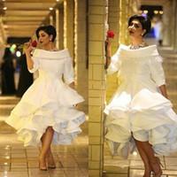 arabic ladies elbiseler toptan satış-Beyaz Kabarık Lady Örgün Elbiseler 1/2 Uzun Kollu Yüksek Düşük Batı Ülke Akşam Parti Vestido Dantelli Arapça Gelinlik Modelleri