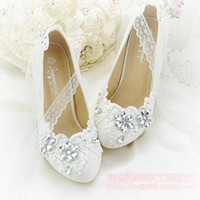 zapatos de damas de honor de marfil al por mayor-Apliques de flores de marfil zapatos de boda rhinestone cordón de los zapatos de la muchacha de la dama de honor para el banquete de boda plana / 5.5 / 8.5 / 10.5 talón