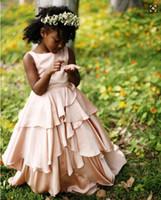 hacer vestido de niña de flores de gasa al por mayor-Flesh Pink Tiered Flower Girl Dresses 2016 Chiffon Floor Length Zipper Back Black Girls Vestidos para niños Vestidos de fiesta formales a medida