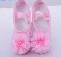 Wholesale Binding Band - Children danceing shoes girls stereo flowers ballet dance shoes kids soft breathable yoga shoes girls cross bind elastic PAWS shoe R0940
