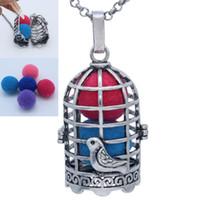 jóia encanto birdcage venda por atacado-Antique Silver Hollow Birdcage Medalhão Para Óleo Essencial de Fragrância Aromaterapia Difusor Pingente Cadeia Colar Encantos Jóias