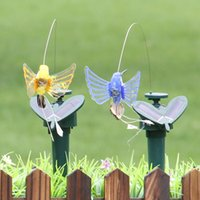 jardín de mariposas al por mayor-Colibrí solar Flying Butterfly libre para la decoración del jardín Festival Party Decoración Artificial al aire libre Artículos Multi Color 9ll C RW