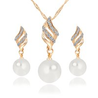 Wholesale Elegant Pearl Sets - New Bridal Earrings Necklaces Sets Diamond Pearl Crystal Drops Elegant Jewelry Hot Style Pendant Crystal Necklace Women'S Jewelry 3pcs Sets