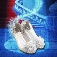 Wholesale dance girls little - Handmade Little Big Girls Princess Shoes Cinderella Crystal Shoes Performance Shoes Big Flower Diamand Low Heel for Latin Dance Party