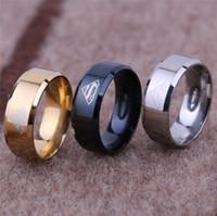 ingrosso superman dell'anello nero-Moda titanio supereroe superman LOGO anello per dito anelli per la coda anello per il pollice per uomo donna Gioielli in film punk nero argento dorato