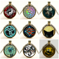 Star and Skull Cabochon Glass Bronze Pendant Necklace Vintage Superman