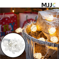 ingrosso alberi di natale all'aperto a batteria-20LED Pinecone Shap Battery Operated Fairy String Lights Impermeabile LED Light for Christmas Trees Decorazione natalizia Indoor Outdoor Decoration