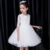 Cute Flower Girls Dresses Ivory Knee Length Pleats Tulle с аппликацией Half Sleeves Wedding Party Dresss Short 2017 New Arrival Cheap