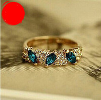 Wholesale emerald diamond gold rings - Wholesale Korean retro retro emerald fashion sweet new flash diamond ring Japan and South Korea free shipping