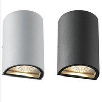 Wholesale New Arrival COB LED Waterproof Outdoor Modern Wall Light Mounted W IP65 Aluminum Wall Lamp
