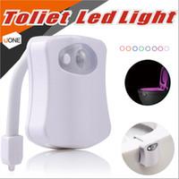 led sensor movimiento activado luz nocturna del inodoro sensor automtico luz inodoro dentro del asiento de tocador luz bowl con paquete al por menor