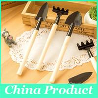 Wholesale Garden Gardeners - 3 pcs Mini Garden Hand Tool Kit Plant Gardening Shovel Spade Rake Trowel Wood Handle Metal Head Gardener