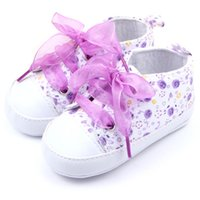 Vente en gros- 0-12 M Newborn Toddler Baby Girls Chaussures berceaux Soft Soft Anti-slip Floral Bowknot Walk Sneaker First Walkers