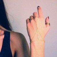 ingrosso bracciali slave-Braccialetti di fascino per le donne Bracciale tono oro Bracciale catena schiava Link Intrecciatura anello dito Braccialetto Infinity mano Harness