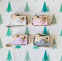 bebek yılbaşı dekorasyonları toptan satış-Çocuk Ahşap Kamera oyuncak Çocuklar serin paketi 8 renkler Mini Çanta oyuncak Bebek Moda Güvenli Doğal Doğum Günü Noel Hediyesi dekorasyon çocuk odası