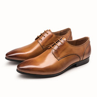 sapatos de escritório preto venda por atacado-Novos Sapatos Oxford para Homens Sapatos de Vestido de Couro Sapatos de Escritório Homens Apartamentos Zapatos Hombre Preto Marrom Mens Oxfords