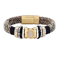 Wholesale Women s Fashion Round Snake Pattern Bracelets bangles Gold Plated Alloy Inlaid Rhinestone Magnet Clasp Bracelet Men NO3101